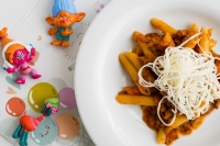Макарошки с соусом Болоньезе и сыром