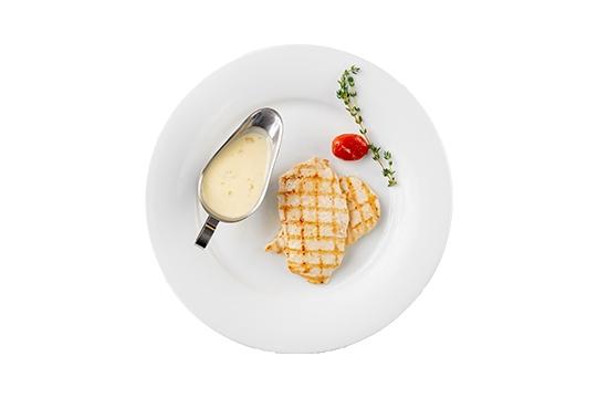 Куриная грудка-гриль с персиковым соусом