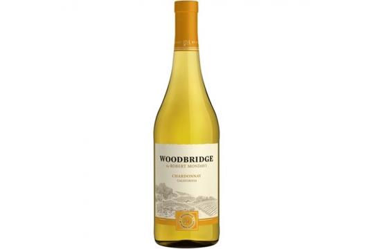 Вино белое Chardonnay. Woodbridge